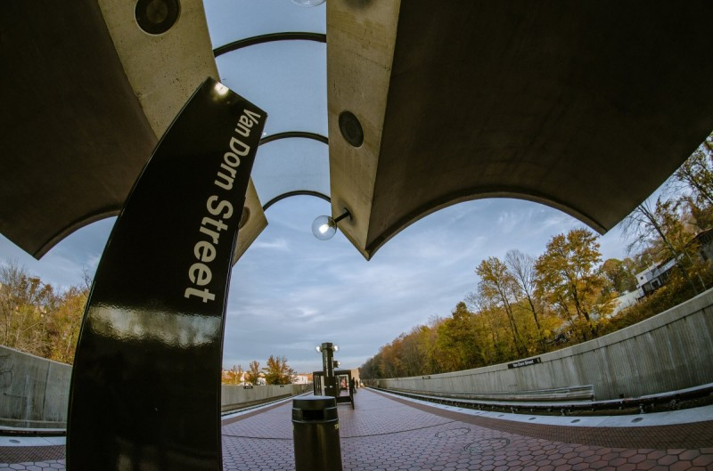 Breakfast links: Fear not, Metro station signs with font mistakes