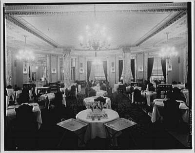 Dining room in Raleigh Hotel