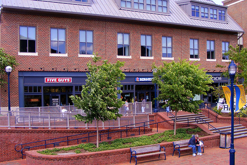 Chain Stores At Carroll Creek