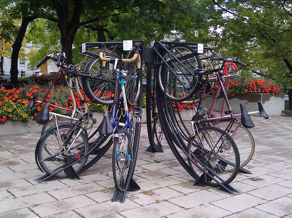 Innovative Bike Rack Makes Parking Into Sculpture