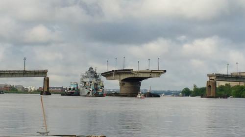 to bid a navy ship farewell this dc bridge swung open for