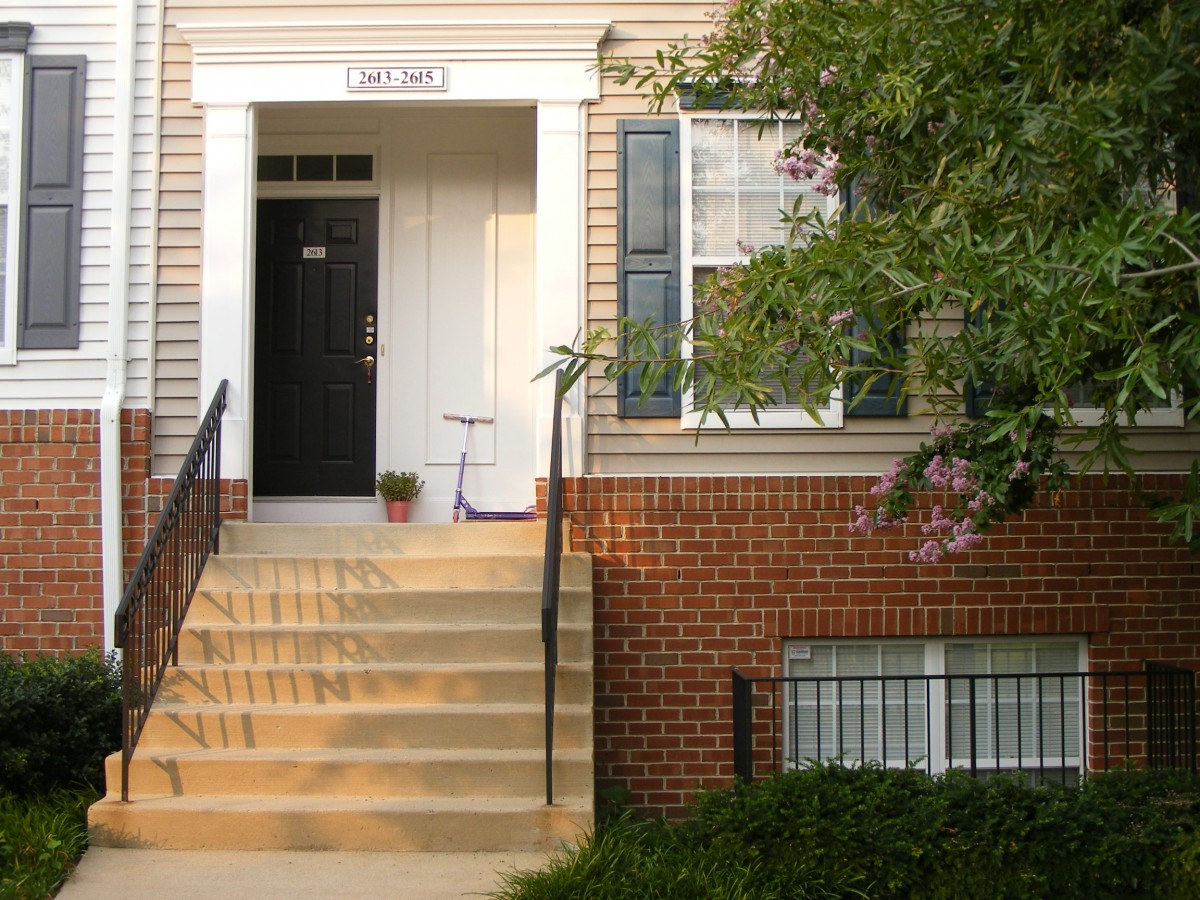 In praise of the stacked townhouse greater greater for Stacked townhouse floor plans