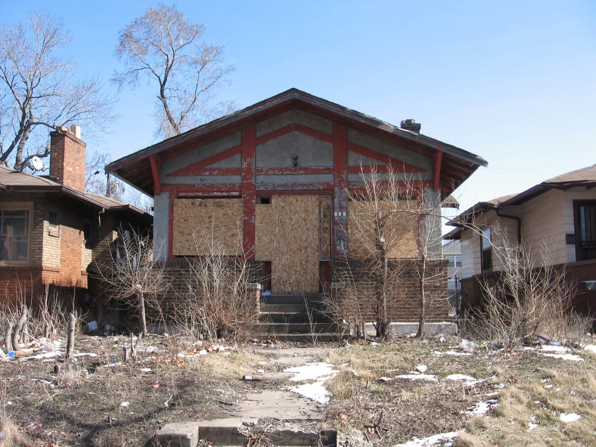 Boarded_up_house_in_Gary_Indiana.jpg