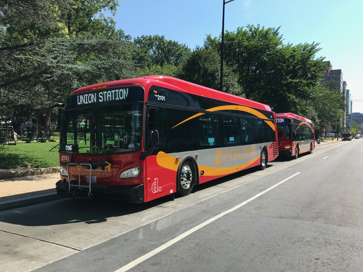 Clean And Shiny >> DC rolls out new Circulator buses in hopes of improving ...