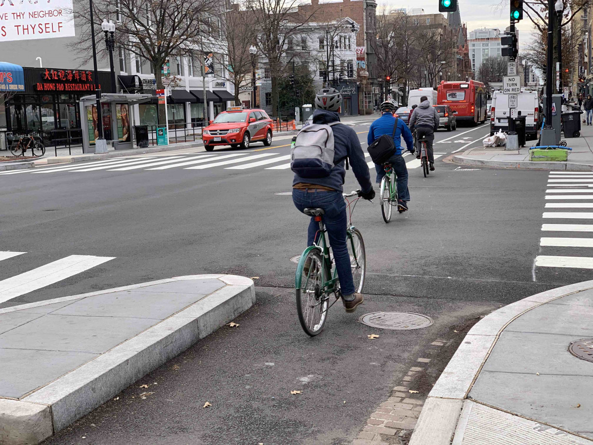 DC plans fixes to new 14th Street bike lanes – Greater Greater Washington